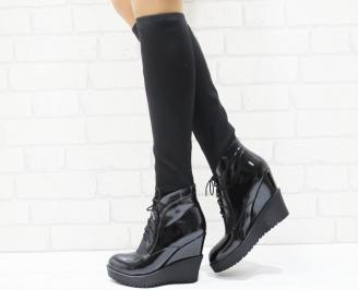Дамски ботуши  черни лак в комбинация със стреч