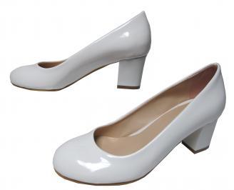 Дамски ежедневни обувки еко кожа /лак бели