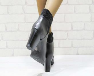 Дамски елегантни боти в черен цвят от еко кожа 3