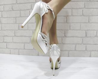 Дамски елегантни сандали на ток бели 3