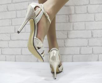 Дамски елегантни сандали на ток златисти 3
