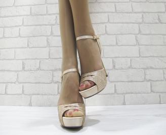 Дамски елегантни сандали на ток бежови