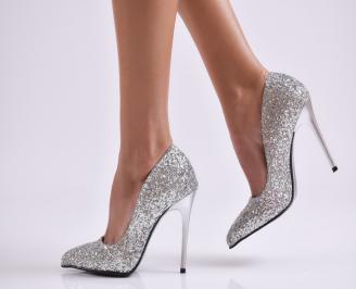 Дамски елегантни обувки на ток сребристи еко кожа
