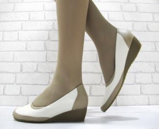 Дамски ежедневни обувки естествена кожа бежови