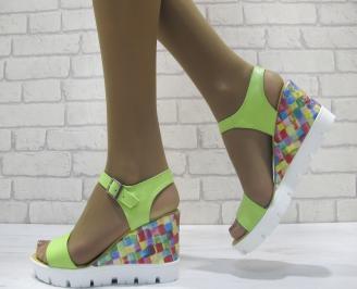 Дамски сандали на платформа  зелени