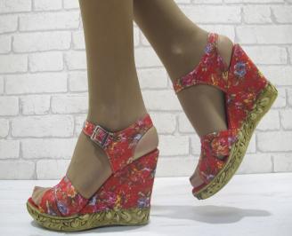 Дамски сандали на платформа шарени текстил