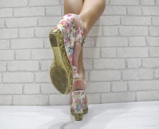 Дамски сандали на платформа шарени текстил 3