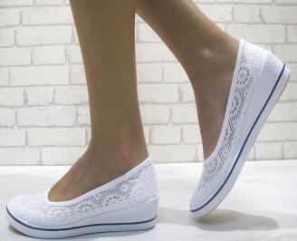 Дамски  обувки  бели текстил
