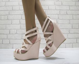 Дамски сандали на платформа еко кожа светло розови