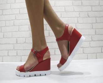 Дамски сандали на платформа еко кожа червени