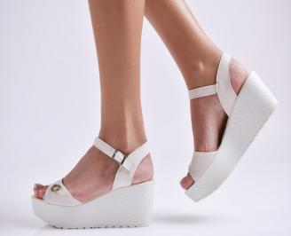 Дамски сандали на платформа текстил бежови