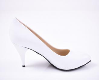 Дамски  обувки Гигант  бели еко кожа