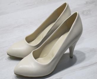 Дамски  обувки Гигант  бежови еко кожа