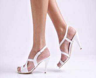 Дамски елегантни сандали еко кожа/лак бяло