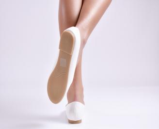Дамски обувки равни еко лак бели 3