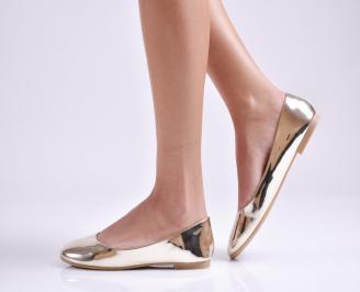 Дамски обувки равни еко лак златисти