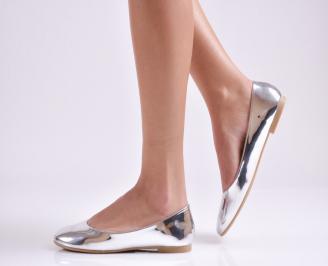 Дамски обувки равни еко лак сребристи