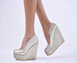 Дамски елегантни обувки   еко кожа златисти