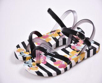 Детски  равни  сандали бели