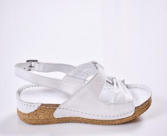 Дамски равни сандали Гигант  естествена кожа бели