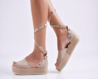 Дамски равни сандали  набук бежови
