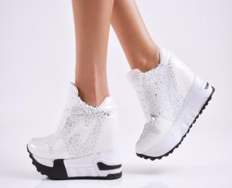 Дамски обувки на платформа еко кожа/лак бели
