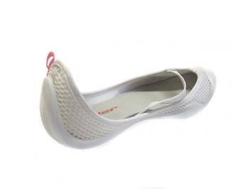 Дамски обувки бели