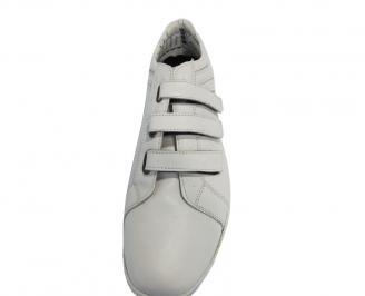 Мъжки обувки от естествена кожа бели