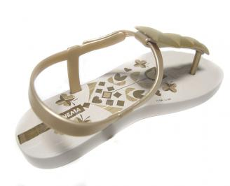 Детски сандали златисти