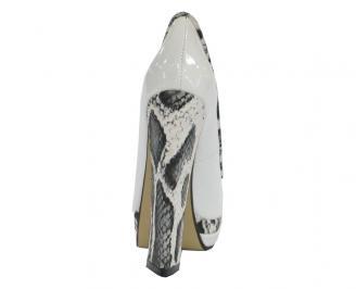 Дамски обувки еко кожа/лак бели 3