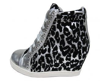 Дамски обувки шарени