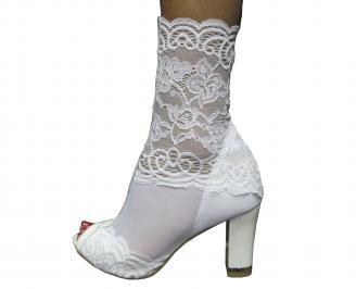 Дамски елегантни боти бели дантела