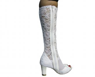 Дамски елегантни ботуши бели дантела 3
