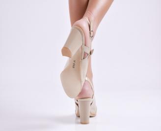 Елегантни сандали на ток бежови еко кожа/лак 3
