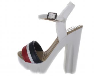Дамски сандали на то еко кожа бели
