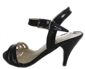 Дамски сандали на ток еко кожа/лак черни